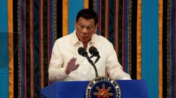 الرئيس الفلبيني يخاطب أمريكا: 20 مليون جرعة من لقاح كورونا مقابل بقاء قواتكم في البلاد