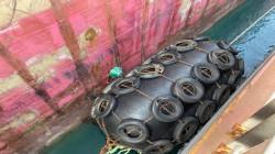 إفراغ الحمولة من ناقلة النفط الملغومة قبالة السواحل العراقية