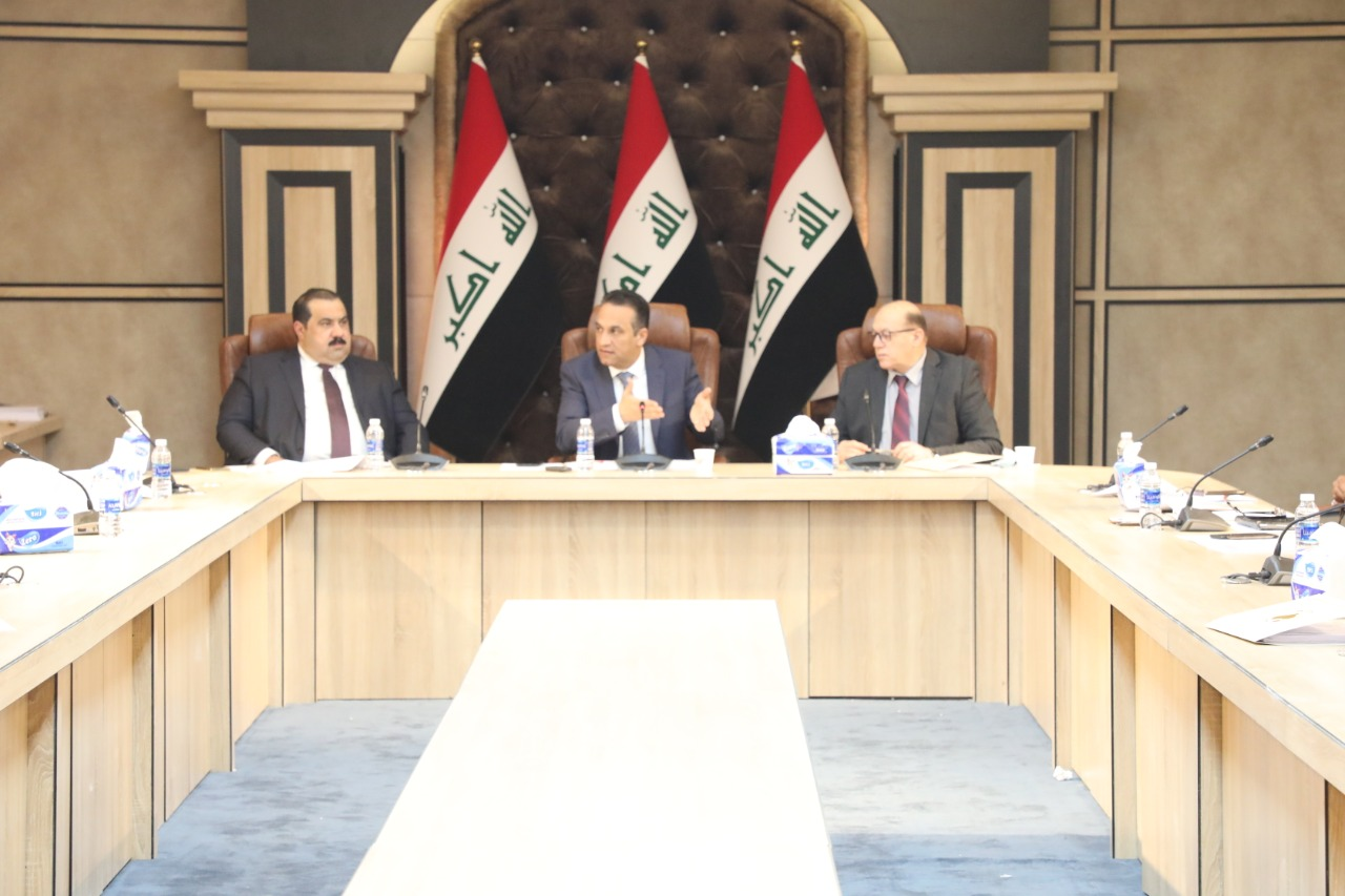 Iraqi Parliament refers requests to include contract employees and lecturers in the budget to the Government