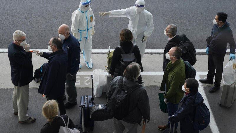 """للتحقيق في منشأ الفيروس.. خبراء الصحة العالمية يصلون """"مسقط رأس كورونا"""""""