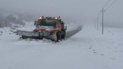 صور .. الثلوج تغلق أماكن شمالي أربيل
