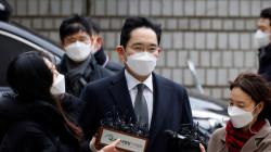Samsung's Lee sentenced in prison in corruption retrial