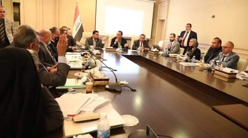 """المالية النيابية تسجل توسعاً كبيراً """"غير ضروري"""" في انفاق وزارة الكهرباء"""
