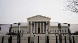 إخلاء المحكمة العليا في واشنطن بسبب تهديد بوجود قنبلة