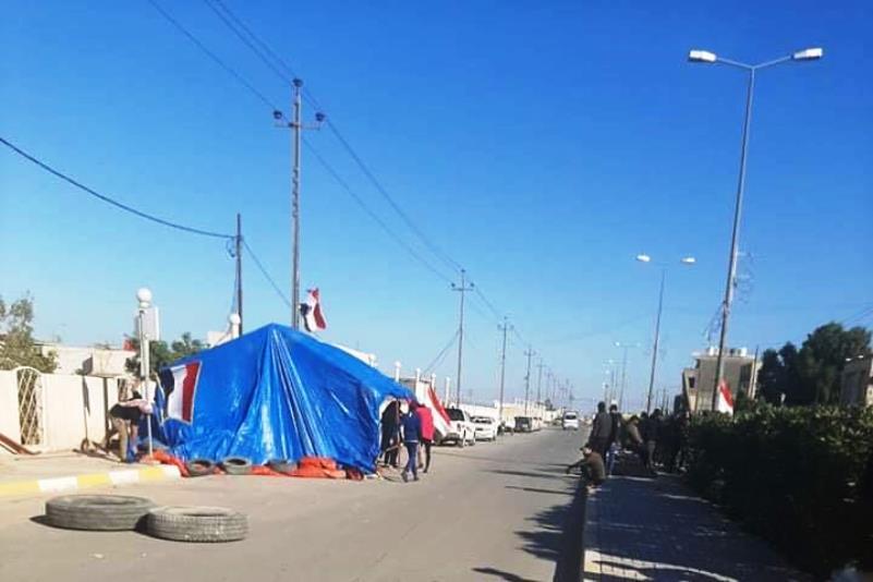 """نصب """"خيمة الاعتصام"""" للمطالبة بإقالة قائممقام قضاء الرفاعي بذي قار"""