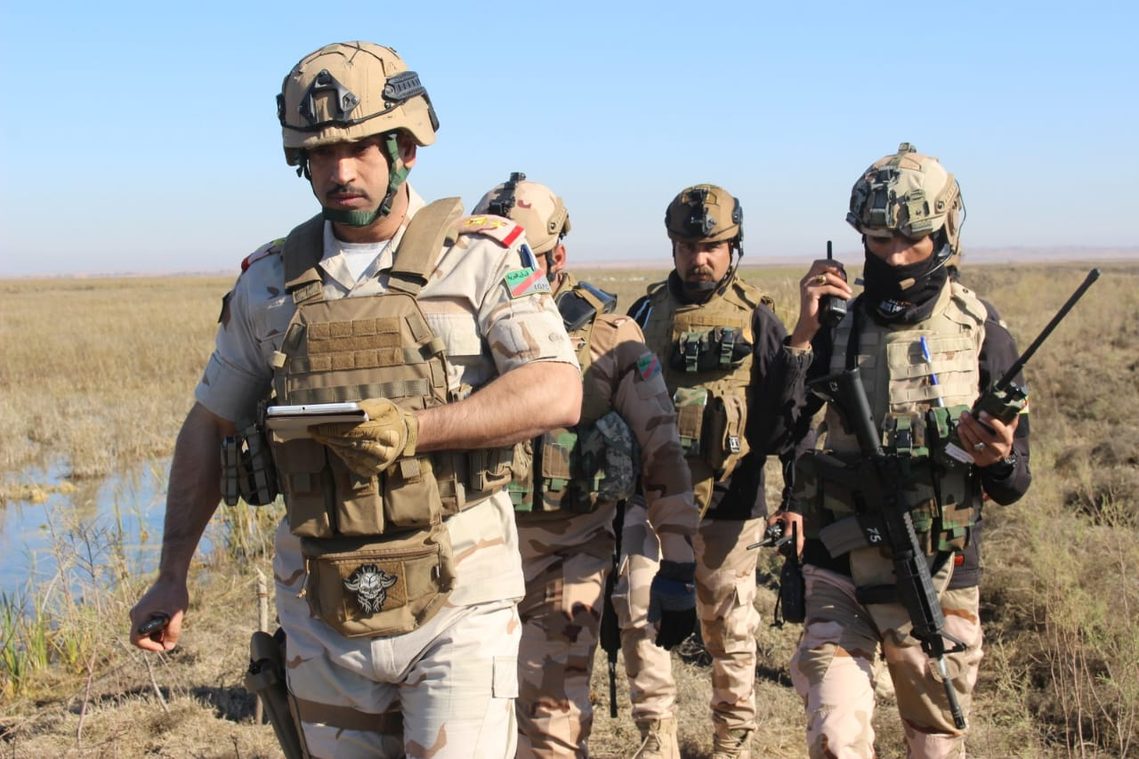 """الجيش العراقي يدمر أوكاراً لـ""""داعش"""" ويستولي على معدات في ديالى.. صور"""