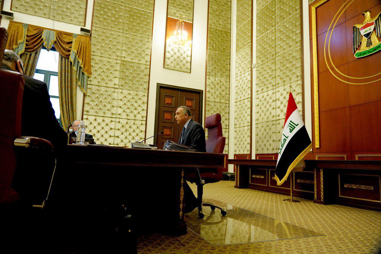 """الكاظمي يؤشر """"انجازاً"""" ويؤكد: شعبنا يستحق عيش السلم لا الصراعات والمغامرات"""
