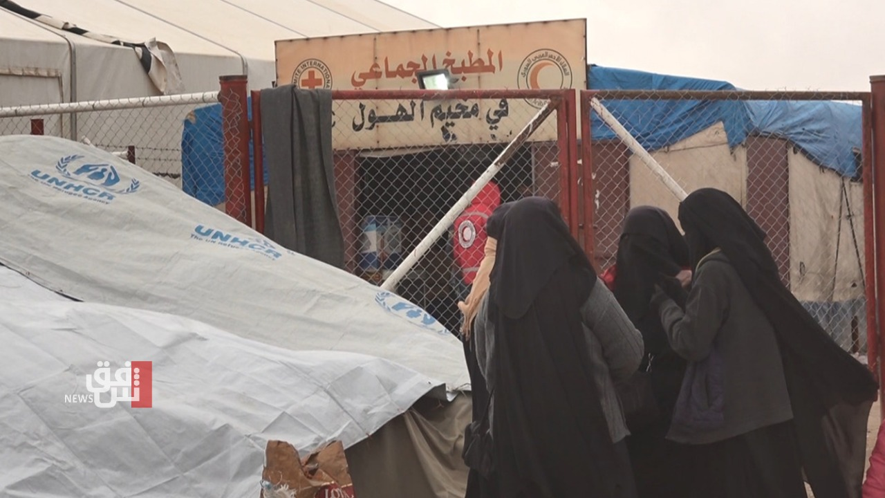 """وفاة 3 أشخاص بحريق في مخيم يضم عائلات """"داعش"""" بسوريا"""
