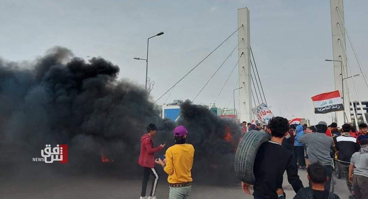 إطلاق نار على المتظاهرين قرب جسر في الناصرية جنوبي العراق