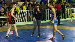 شابة عراقية تدخل تاريخ لعبة المصارعة