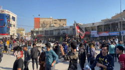 Demonstrators storm the streets of Dhi Qar