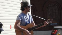 موسيقيون يعزفون للحب في عيد العشاق بالسليمانية