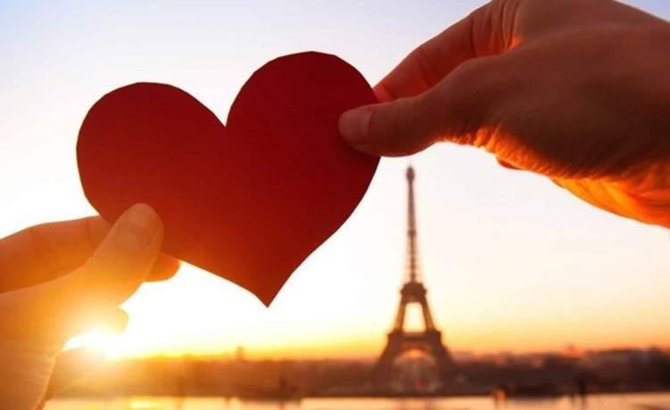 """""""فيزا الحب"""".. تأشيرة تسمح للعشاق من جنسيات مختلفة بلقاء من يحبون"""
