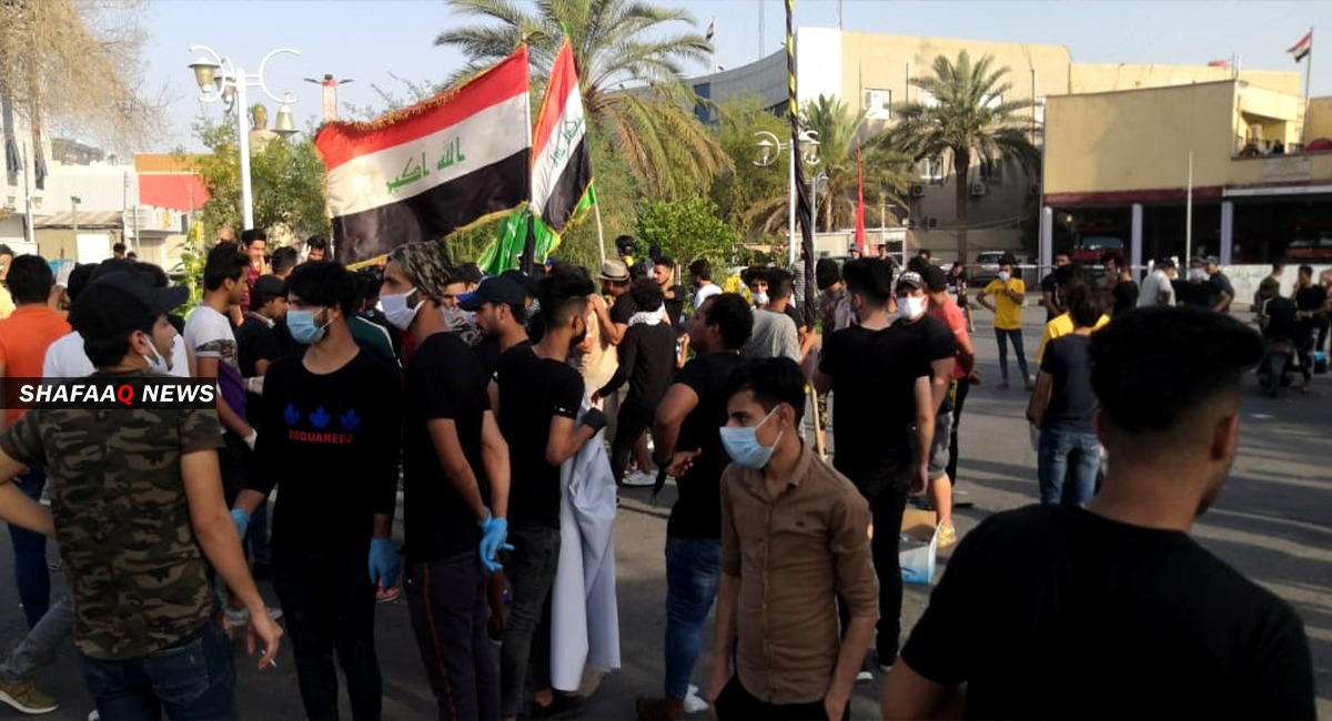 """Demonstrators in Basra demand disclosing the confessions of """"The Gang of Death"""""""