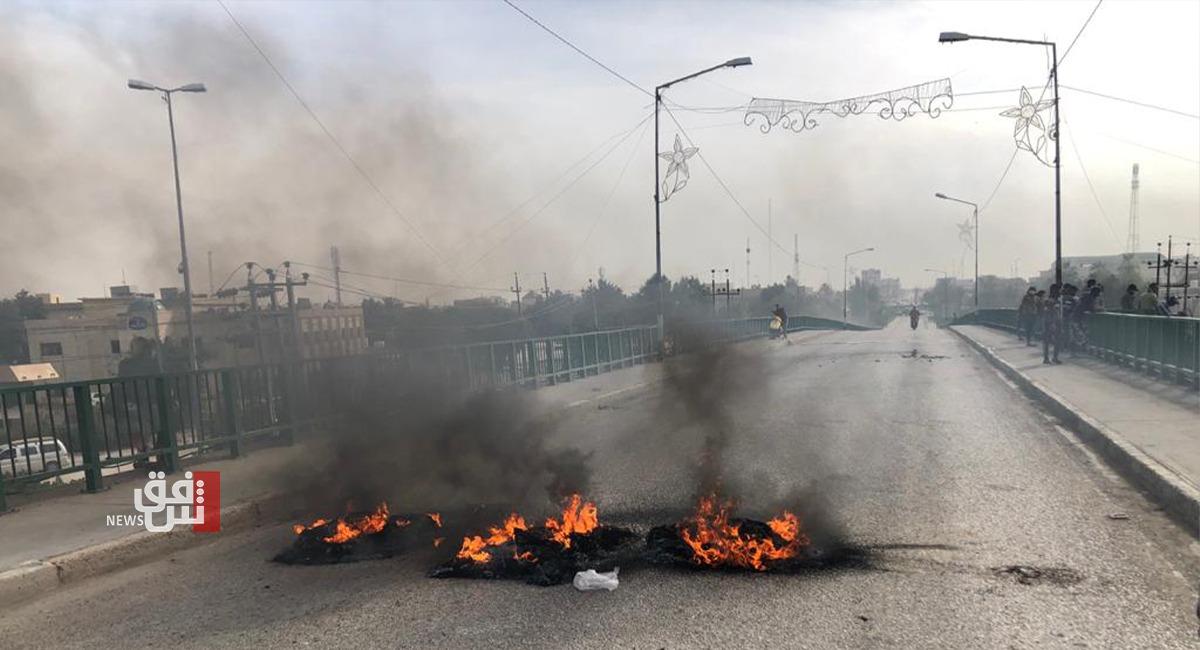 القوات الأمنية تستخدم الرصاص الحي لتفريق متظاهري الناصرية وسقوط جرحى (تحديث)
