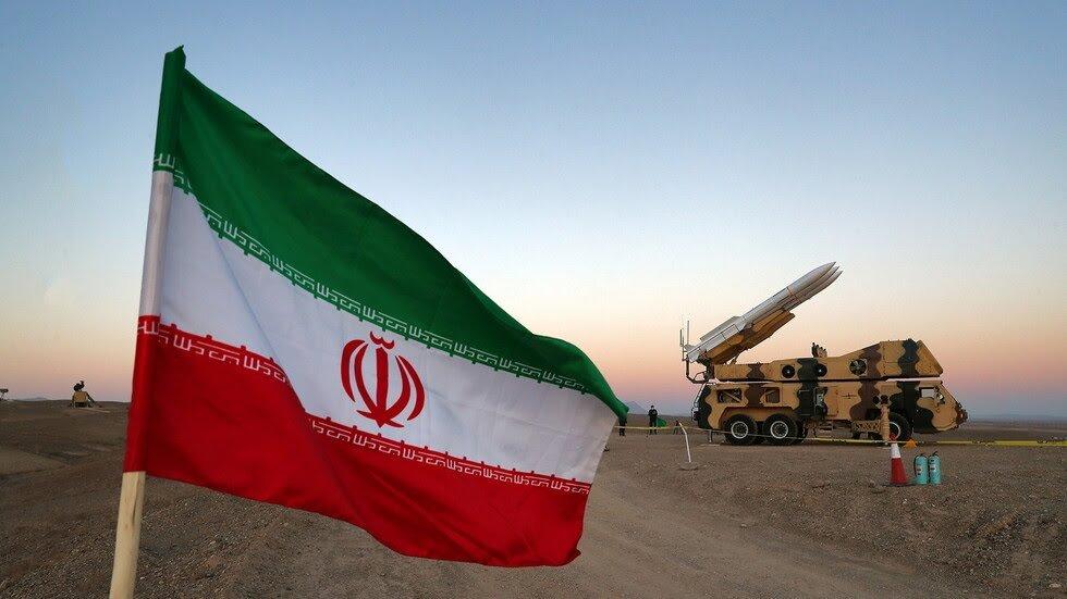 ايران تهدد اسرائيل: ننتظر إشارة خامنئي لتسوية حيفا وتل أبيب بالأرض