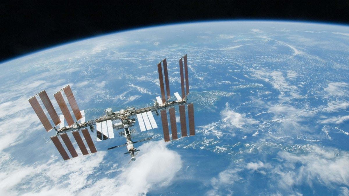 """روسيا تعتزم بناء محطة فضائية خاصة لتجنب """"الكارثة"""""""