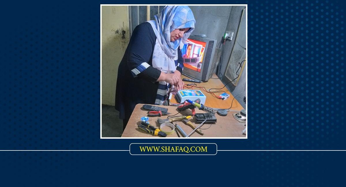 """قصة """"امرأة فولاذية"""" اقتحمت مهنة الرجال وهزمت العوز والحرمان"""