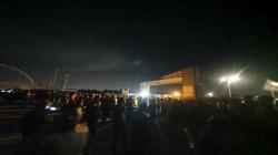 بغداد .. تظاهرة ليلية غاضبة احتجاجا على الكهرباء تخلف جرحى بمواجهة مع الأمن