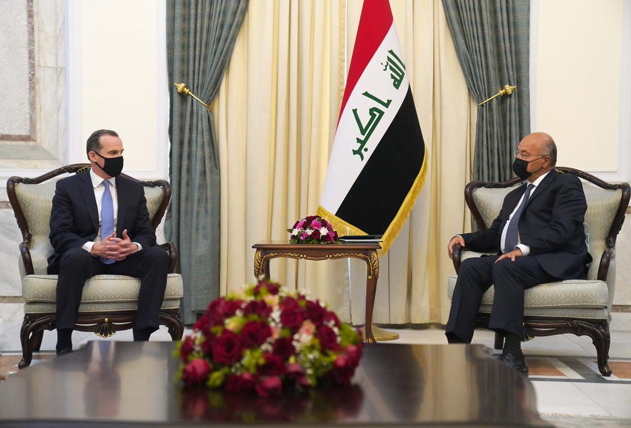 """صالح والحلبوسي يبحثان مع الوفد الحكومي الأمريكي جملة ملفات وتأكيد على """"دعم العراق"""""""