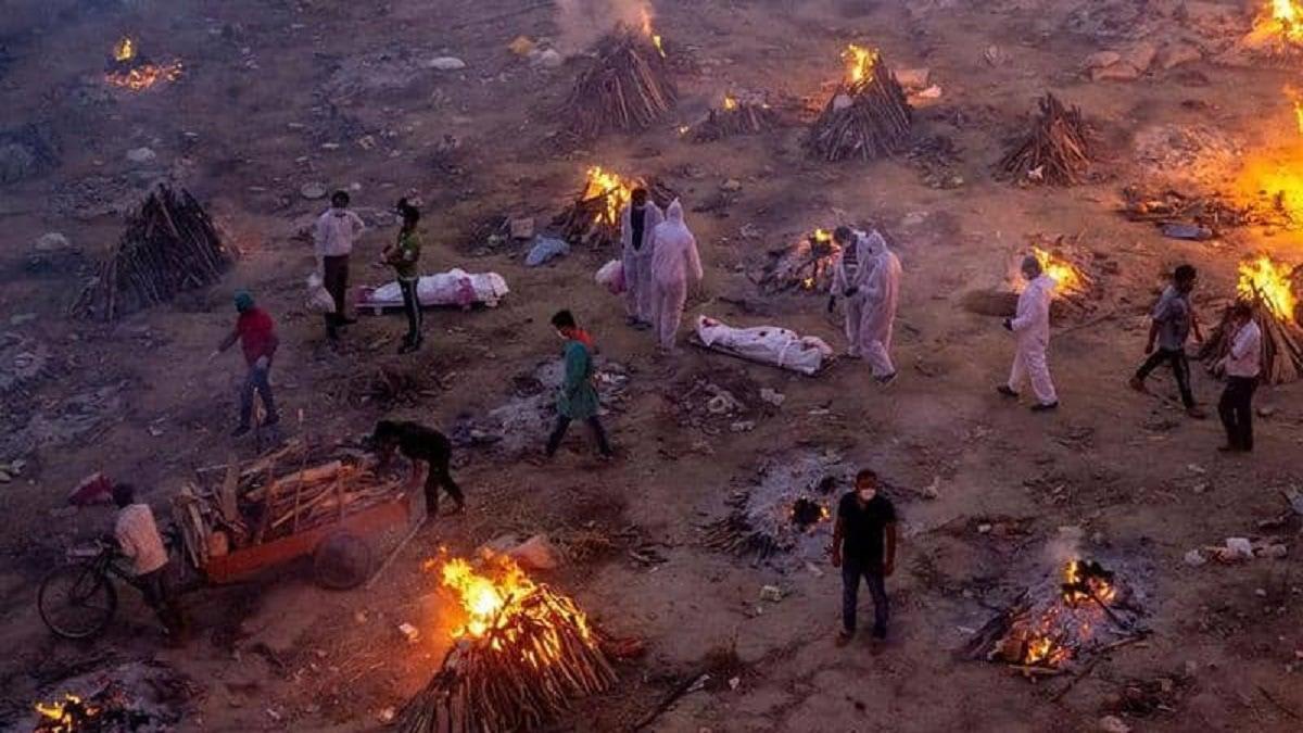 جحيم كورونا يخيم على الهند.. رقم قياسي جديد لوفيات الجائحة
