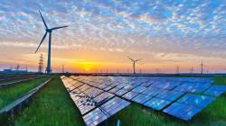 وكالة: الطاقة المتجددة العالمية نمت في 2020 بأسرع وتيرة في عقدين