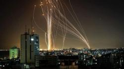 """حرب الصواريخ تتصاعد.. المئات تتساقط على إسرائيل ومقتل قادة كبار بـ""""القسام"""""""