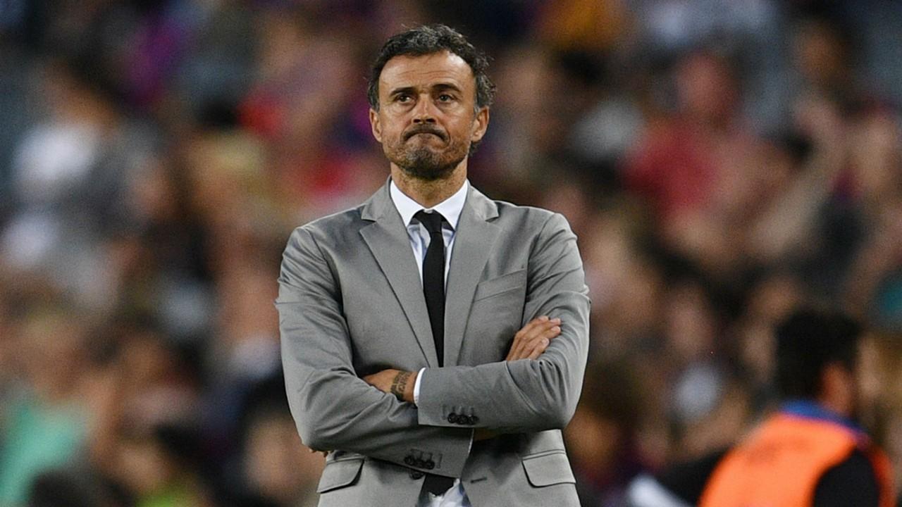 استقالة مدرب اسبانيا من منصبه