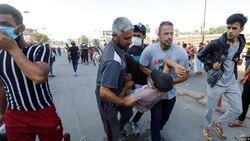 وفاة متظاهر ثان متأثرا بجروحه باحتجاجات بغداد واعداد الجرحى تتجاوز ال100