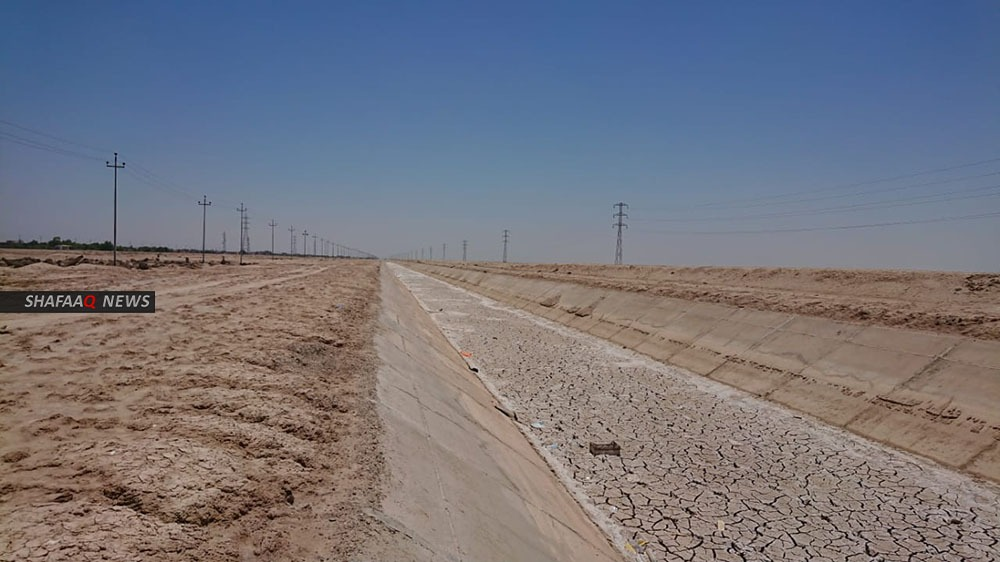 """البصرة.. مناشدة لإنقاذ تجمعات ريفية من """"لسان ملحي"""""""