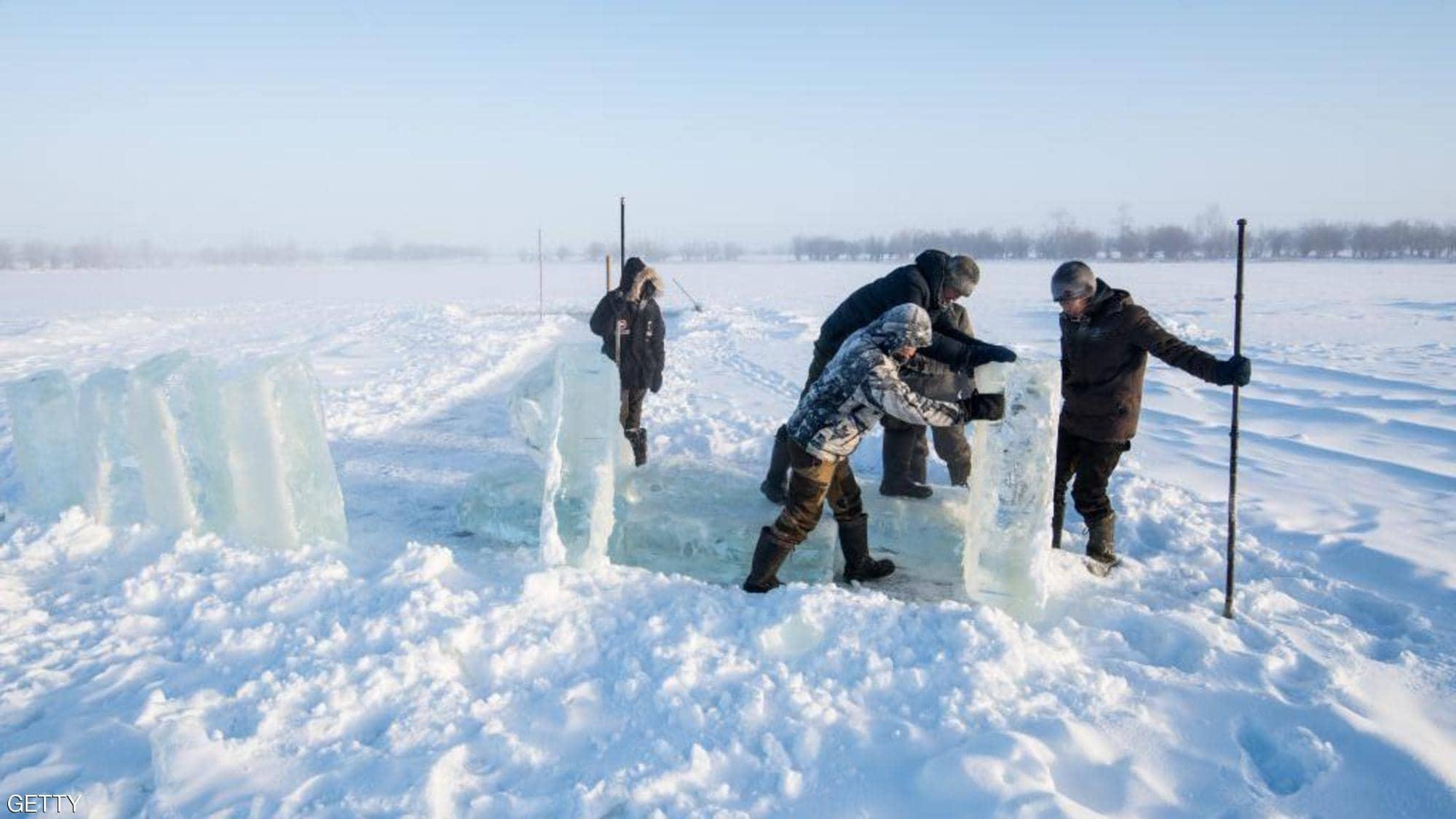 """درجات حرارة غير مسبوقة في سيبيريا.. القطب الشمالي """"يحترق"""""""