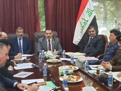 """وزير الدفاع في البرلمان لمناقشة القنابل الغازية و""""الطرف الثالث"""""""