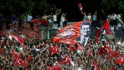 الليرة والبورصة التركية تنتعشان بعد خسارة حزب أردوغان اسطنبول
