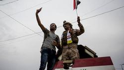 قطوعات بشوارع في بغداد والمتظاهرون يسمحون للقوات الأمنية بالاقتراب
