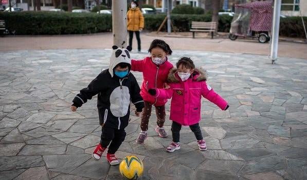 """ماذا يعني إعلان فيروس كورنا """"وباء عالميا""""؟"""