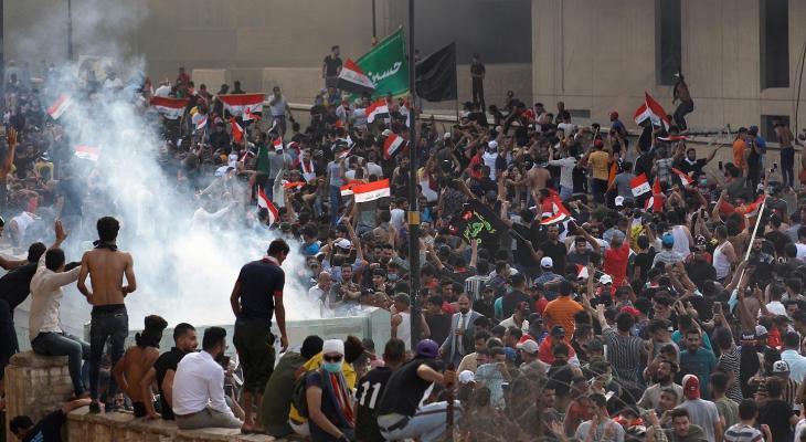 """عدة مدن جنوبية تخرج بتظاهرات حاشدة وتوجيه جديد من """"الصدر"""""""
