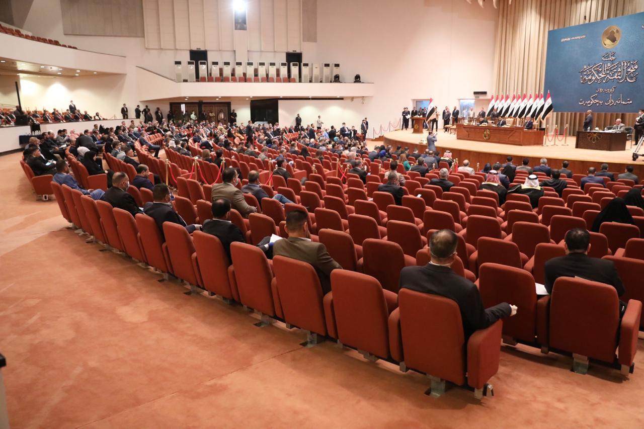 """""""إصابة 34 نائباً وموظفاً بكورونا"""".. وجلسة البرلمان على المحك"""
