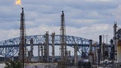 هبوط باسعار النفط