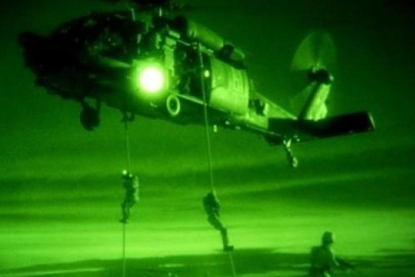 مقتل 10 من داعش بقصف دولي وانزال جوي عراقي بصحراء الانبار
