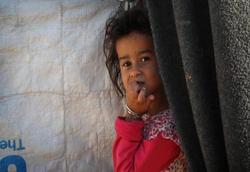 """صحيفة: """"الطفل المعجزة"""" في الموصل يواجه معركة جديدة للبقاء"""