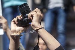 انخفاض بعدد الانتهاكات ضد الصحفيين خلال شهر تموز