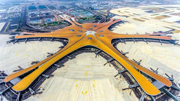 """أعمال زهاء حديد تتجدد في مطار """"نجم البحر"""" في بكين"""