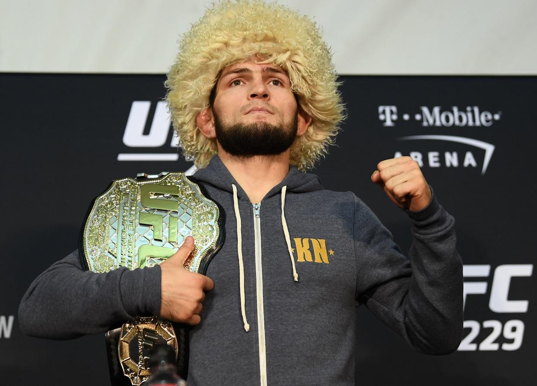 حبيب نورمحمدوف بطل UFC ينصح كريستيانو رونالدو بالاعتزال