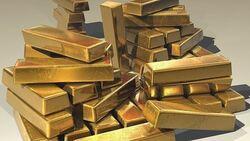 الذهب يضع حداً لخسائره ويعاود الارتفاع