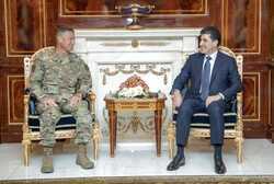 بارزاني يؤكد على التنسيق بين البيشمركة والجيش بمناطق النزاع ومشاركة امريكا بالآلية