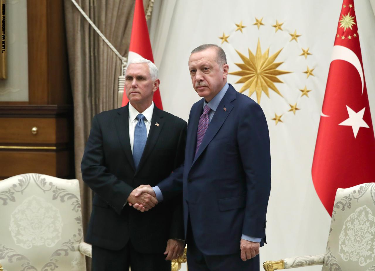 نائب الرئيس الأمريكي يعلن وقف العملية العسكرية التركية في شمال سوريا