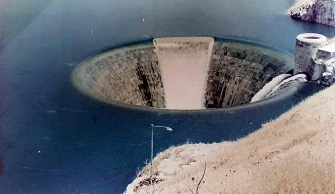 ايقاف ضخ المياه في احد اكبر سدود اقليم كوردستان للعثور على جثة
