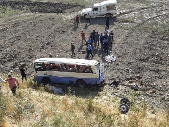 مصرع واصابة 15 طالبا بحادث مروع قرب السليمانية