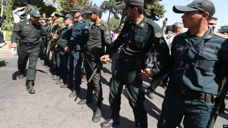 استنفار أمني بعد العثور على متفجرات بارقى احياء طهران