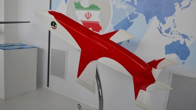 إيران تكشف عن أحدث صاروخ كروز لديها